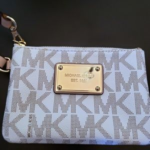 Michael Kors New Small Wristlet Wallet